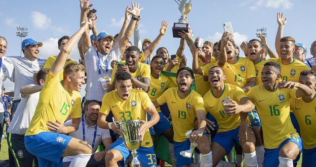 巴西点球战险胜日本 第9次夺土伦杯