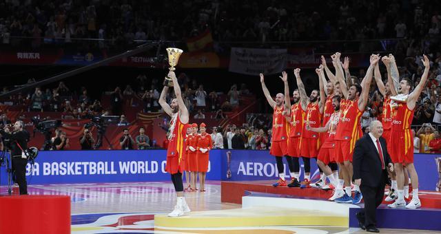 13年后再获世界冠军!西班牙众将欢庆夺冠时刻