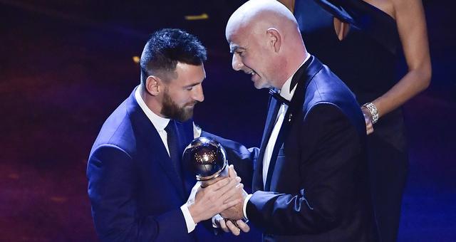梅西创纪录第6次当选世界足球先生