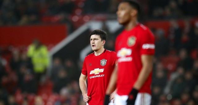 英超-曼联主场0-2负保级队 争四遭重创