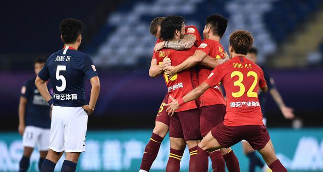 中超-高拉特首球 当代2球落后2-2华夏