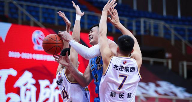 CBA第40轮:北京93-83北控