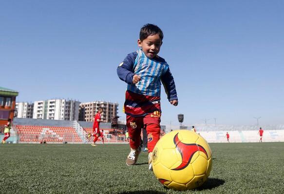 喜欢足球的孩子
