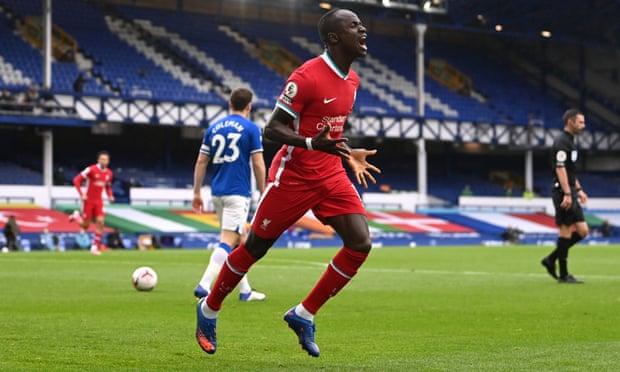 英超-萨拉赫马内进球 利物浦2度领先2-2平埃弗顿