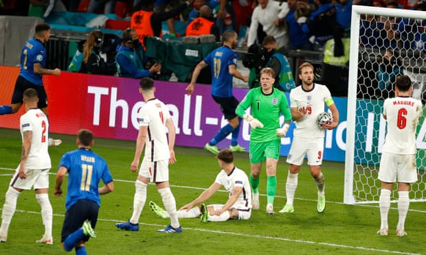 欧洲杯-3将点球大战射失 意大利点胜英格兰夺冠