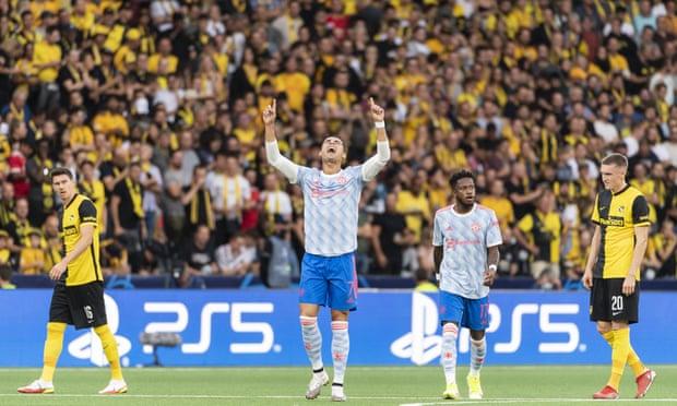 欧冠-C罗进球 B费助攻 10人曼联惨遭压哨绝杀1-2