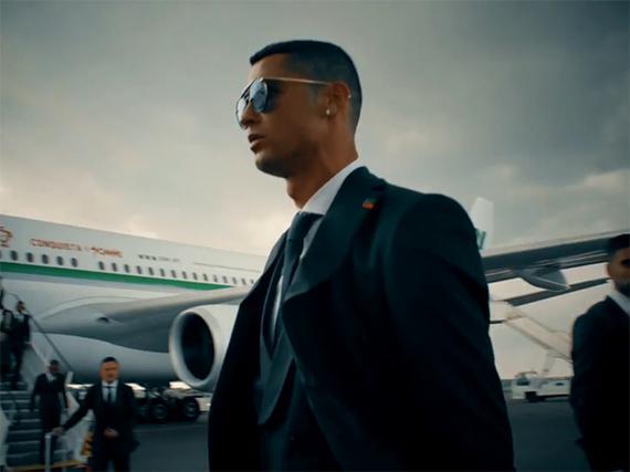 C罗领衔葡萄牙抵达莫斯科