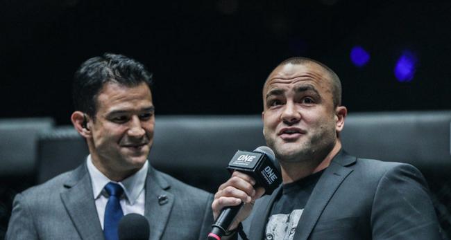 阿尔瓦瑞兹吐露野心:我来ONE是收割冠军的!