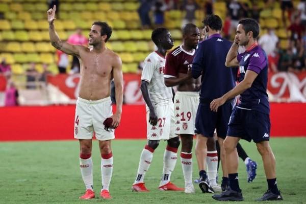 小法;摩纳哥全队都想要梅西球衣  都想挑战梅西