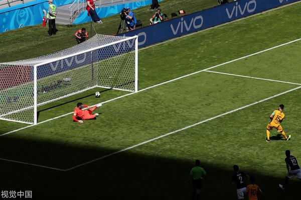 世界杯第15球!耶迪纳克进点球