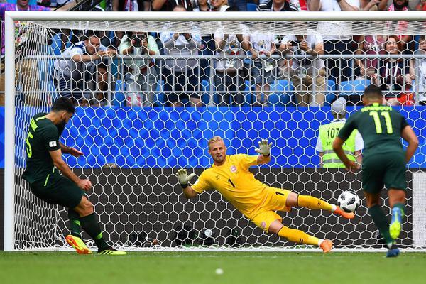 世界杯第47球!耶迪纳克点射