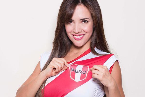 秘鲁名模球衣写真助力世界杯