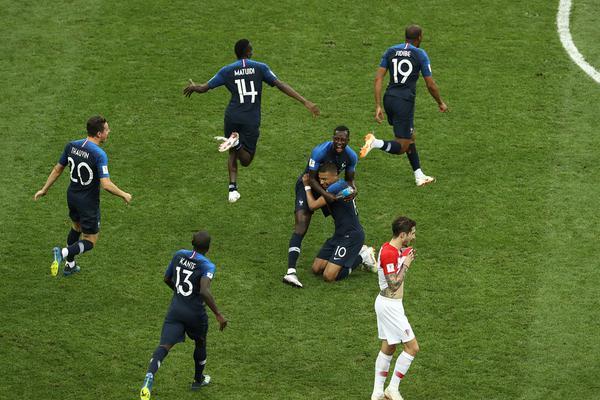 世界杯第25比赛日悲喜两重天