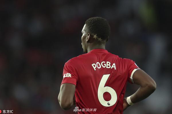 新赛季博格巴再换新发型
