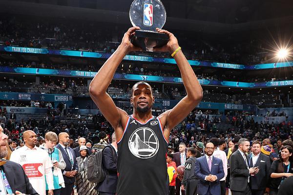 杜兰特加冕全明星赛MVP