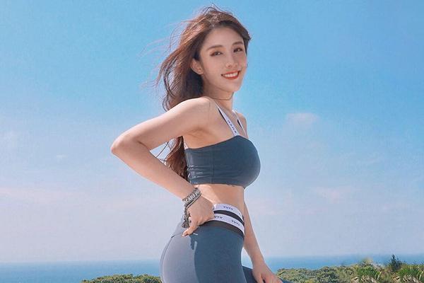 健身美女爱运动打造傲人曲线 这身材什么水平