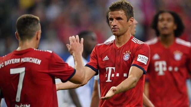 拜仁宣布8月最佳球员:穆勒2球2助压莱万当选