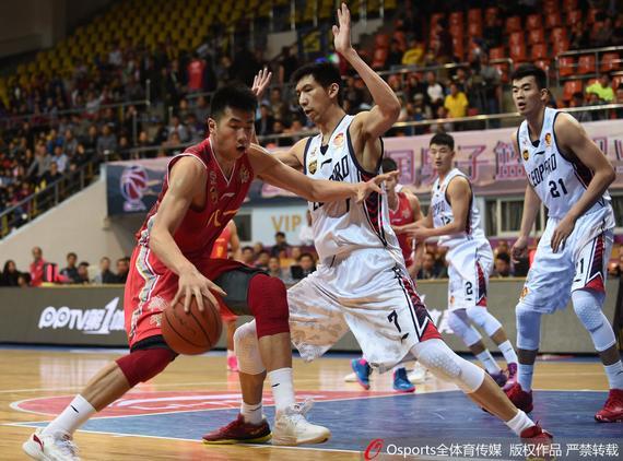 李慕豪15分6篮板 深圳104-89大胜八一