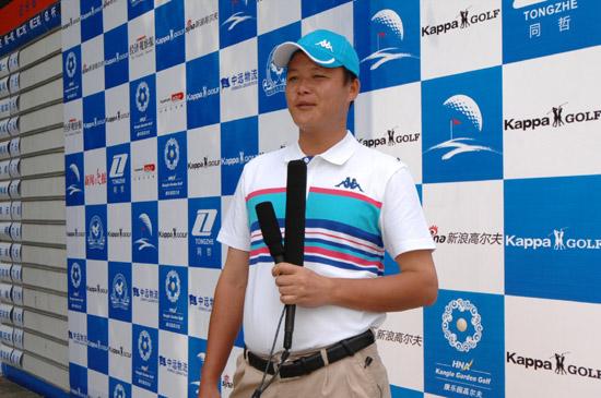 林师清2011年转为工作球员(材料图)