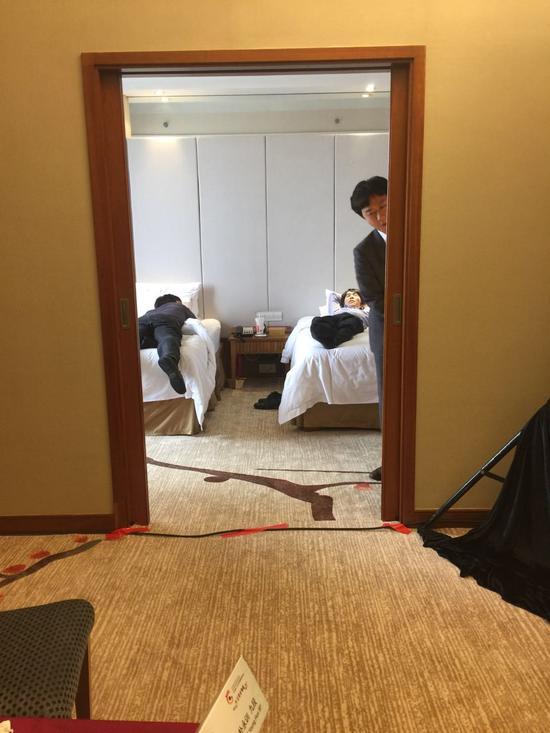 韩国队预备睡觉