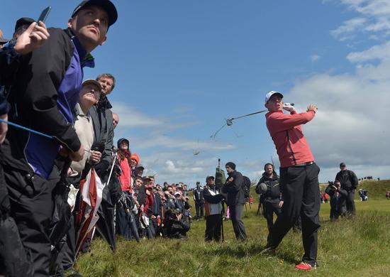 皇家唐郡高尔夫俱乐部(Royal County Down Golf Club)的8号洞