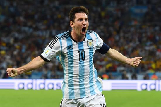 梅西身穿阿根廷10号球衣图片