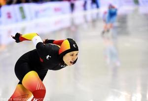 冬运会张虹速滑女子1500米折桂 李奇时亚军
