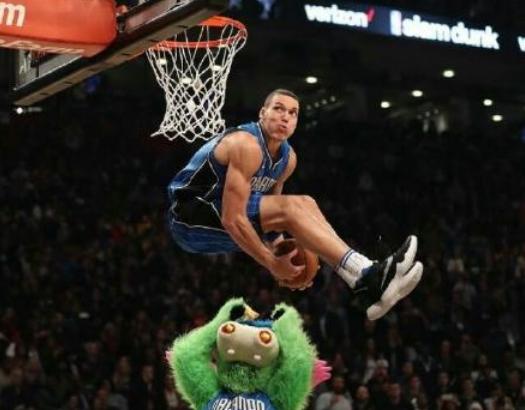NBA众星膜拜扣篮赛 格里芬:向拉文脱帽致敬