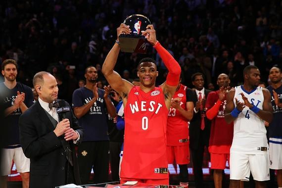 威少背靠背拿下全明星MVP 57年NBA第一人