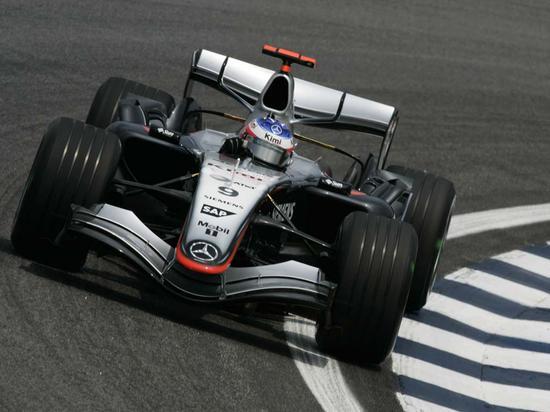 今天的梅赛德斯F1引擎功率已经超过F1的V10时代。
