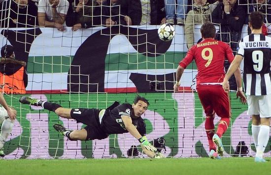 3年前曼朱还代表拜仁冲破尤文球门
