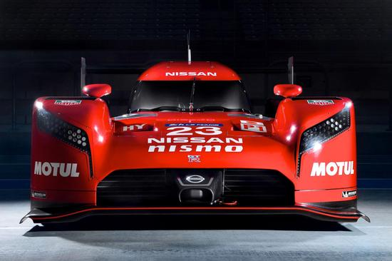 日产GT-R LMP1,是一台前轮驱动的原型赛车。
