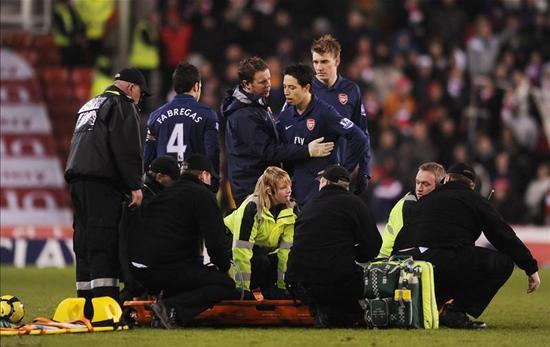 拉姆塞在比赛中重伤