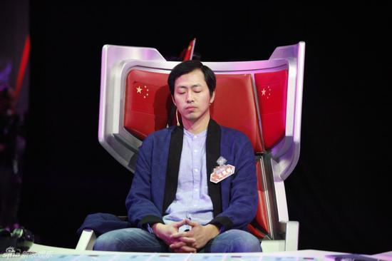 王昱珩将作为领队在新浪网演播室为最壮大脑的兄弟们加油助势