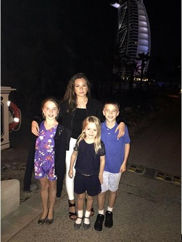 欧文晒他的四个孩子照片