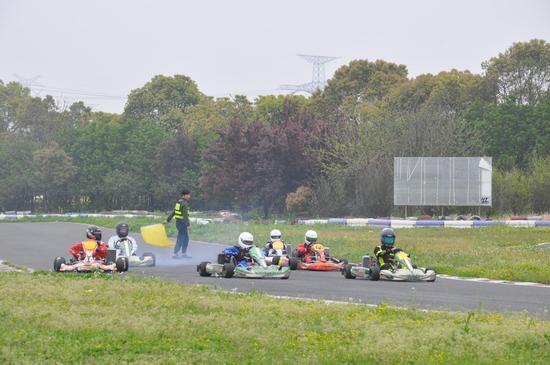 CKC季前赛:赛道上竞速