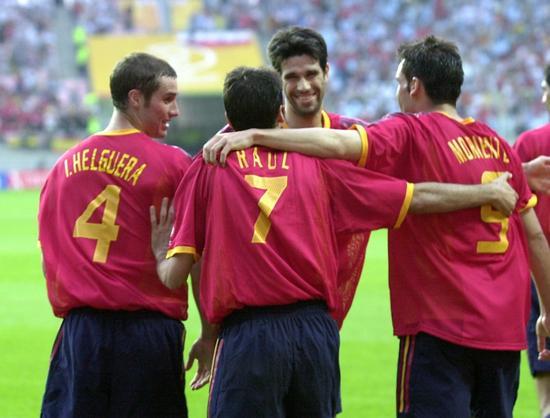 2002年在国际杯时期的贝莱隆。