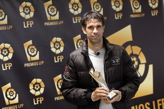 在2011/12年LaLiga颁奖晚会上,贝莱隆博得年度最好西乙球员奖。