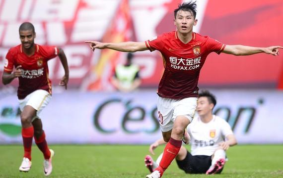 阿兰5场6球于汉超破门 恒大2-0华夏取8连胜
