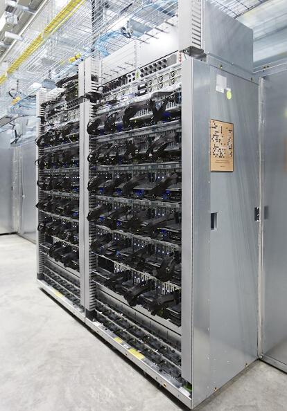谷歌为机器学习而设计的这款处理器叫做Tensor Proces谷歌为机器学习而设计的这款处理器叫做Tensor Processing Unit,简称TPU。sing Unit,简称TPU。