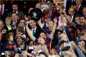 国王杯-梅西加时赛2助攻 3红牌 巴萨2-0夺双冠