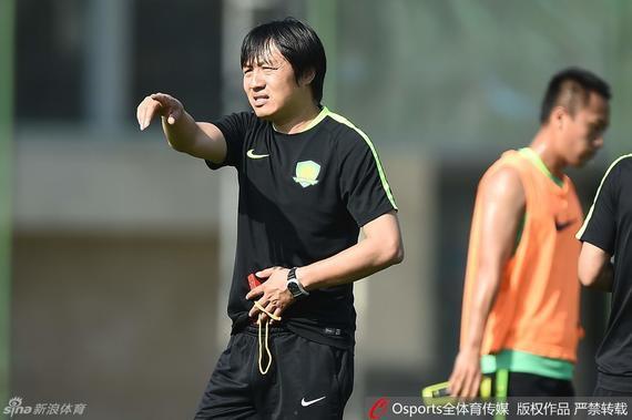 谢峰:鲁能攻强守弱国安有机会 二次转会定换前锋