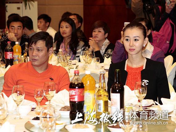 范志毅将娶比自己小17岁的舞蹈演员 姚明受邀|图