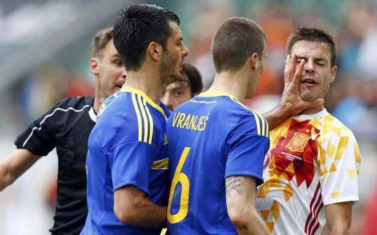 斯帕希奇被红牌罚下