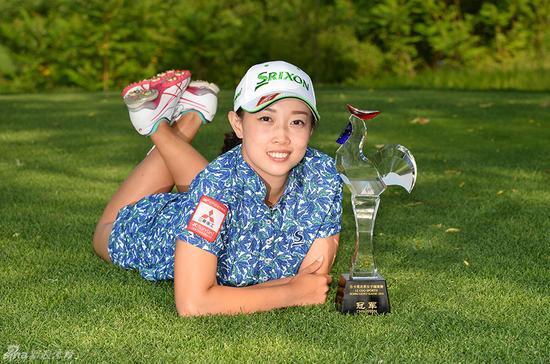 黎佳韵夺得男子中巡第二冠