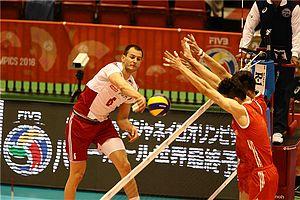 男排先赢2局遭世界冠军波兰逆转 意外拼得1积分
