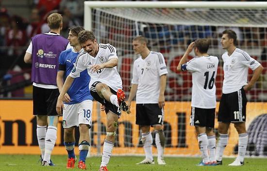 2012年德国队被淘汰,穆勒很郁闷