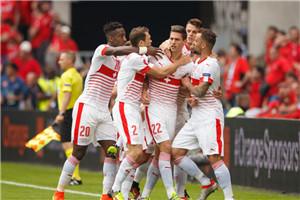 欧洲杯-铁卫闪击创纪录 瑞士11打10险遭追平1-0