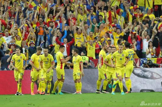 罗马尼亚也踢出了自己的足球