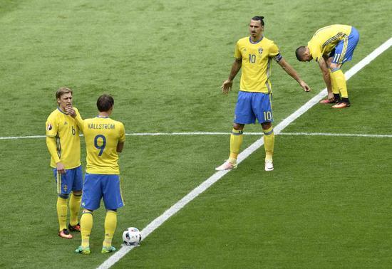 瑞典首先开球